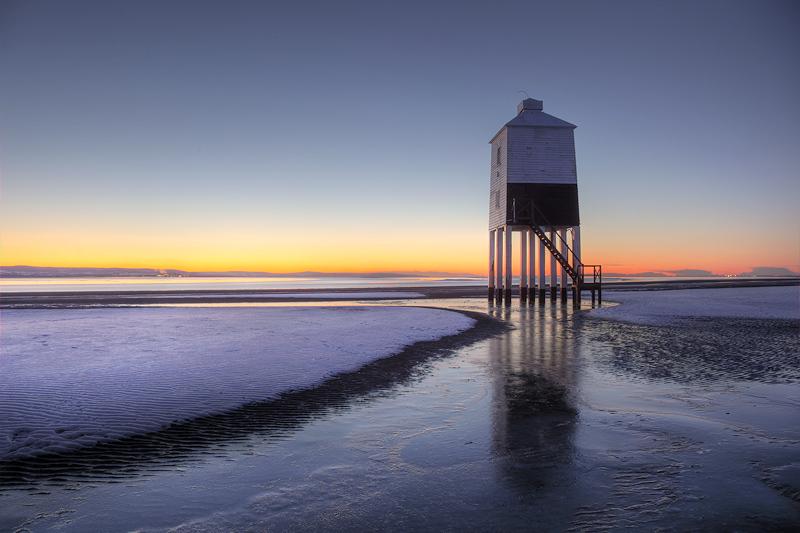 Burnham on Sea Lighthouse Icy