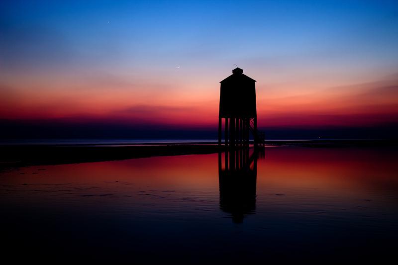 Burnham on Sea Lighthouse Ashcloud Sillhouette